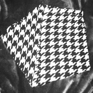 Dresses & Skirts - Houndstooth pencil skirt